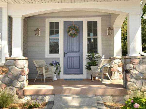 Отделка входной двери в дом с веранды фото